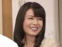【エロ動画】パンチラ巨乳美女がお尻に下着を食い込ませて、尻肉丸出しで誘惑してくる。このドスケベ熟女にはお仕置きだ!
