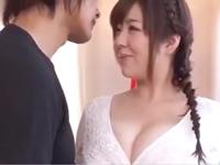 【エロ動画】超ド級の爆乳を持った淫乱な熟女が「もっと突いてぇ!」とおちんちんをおねだり。おマンコをガンガン突かれているからって喘ぎすぎwww
