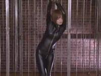 【エロ動画】ピッチリスーツは着せたままドスケベ巨乳エージェントを犯して虜にしてやる!