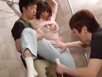 【エロ動画】調教は服を着せたままだからイイ!童顔ドM女の穴開けマンコからしたたるメス汁に股間も爆発寸前