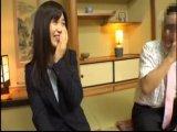 【エロ動画】社員旅行で上司とマットプレイ!綺麗な人妻OLは上司に言われるまま、ハメ撮りセックスで寝取られてしまう