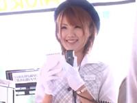 【エロ動画】天海つばさのバスガイド。エッチなお姉さんは手コキフェラでおちんちんをイかせて、極上マンコにご案内