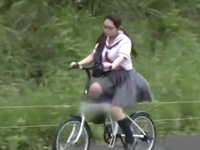【エロ動画】女子校生のサドルに仕込まれた罠。すっかり自転車オナニーにハマった少女は露出オナを見られて男のおちんちんに犯されてしまう