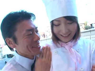 【エロ動画】ドエロ店長がパティシエ・鈴木ありすに手を出した結果→意外とノリノリで、嬉しそうにザーメンを飲んでくれたんだがwww