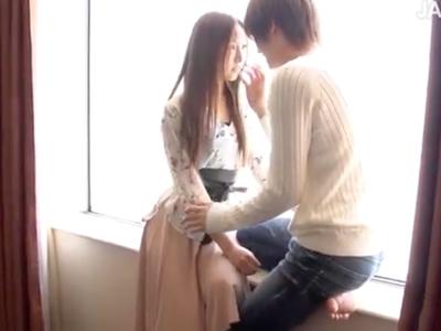 【エロ動画】「抱かれるならイケメンだよね♡」イケメン男優の優しい愛撫&小刻みピストンで感じまくるスレンダー美女!