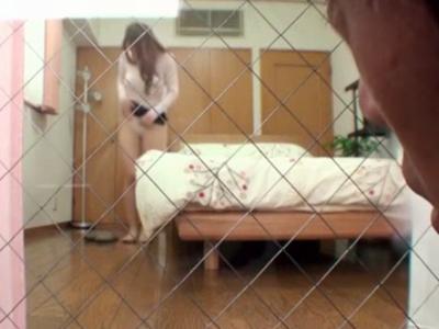 【エロ動画】部屋を覗いていた弟を誘惑…エロすぎる爆乳お姉ちゃんは、近親相姦セックスで弟を脱童貞させてくれる!