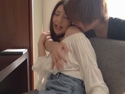 【エロ動画】清楚系女子白咲ゆずがイケメンとのラブラブエッチは「やぁだw恥ずかしぃ‥w」でもチ●コの感触にはしっかり昇天