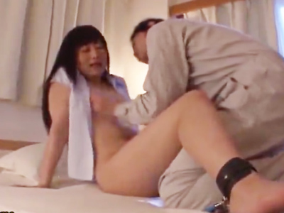 【エロ動画】近所の若妻を拘束して肉便器調教してやれ!おチンポを欲しがる浮気マンコはNTRセックスの虜になっていく