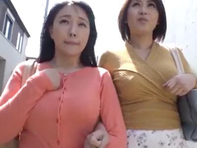 【エロ動画】「友達と一緒なら」そう言ってどんどんおチンポで凌辱されてしまうJDたち。警戒していても理由さえあればおチンポに素直で、フェラチオからおマンコセックスまで許してしまう