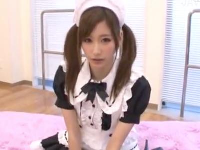 【エロ動画】美少女JKが口マンコでフェラチオご奉仕しをしてくれる。さらにメイド服にコスプレした彼女は玩具で濡れたおマンコを手マンされイキまくり