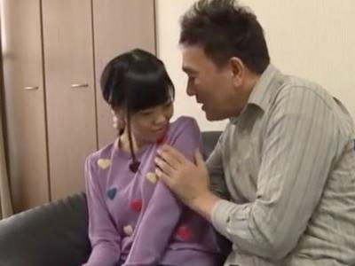【エロ動画】妻の連れ子に夜這いをする変態親父。睡眠姦でパンツマンコをクンニしたらJKのおっぱいを揉んで勃起乳首から母乳を搾り、激しいセックスでザーメンをぶっかける