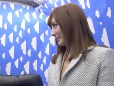 【エロ動画】痴女・冬月かえでに逆ナンされてホイホイついていった冴えないリーマンは、一方的に攻められまくっていやらしい腰使いでザーメンを搾り取られてしまう!