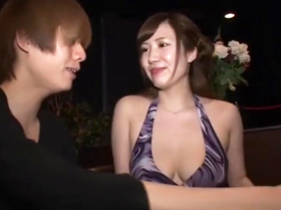 【エロ動画】イケメン男を相手にセクキャバ嬢がおマンコを許してしまう!巨乳おっぱいを揉まれてメロメロになる彼女は、デカ尻を掴まれ陰毛マンコを犯されるだけじゃなくがっつり中出しまでされてしまうのだった