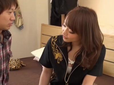 【エロ動画】デリヘルで来たのは関西弁のヤンキーギャル!手コキでフェラに責められまくり、シックスナインからの騎乗位セックス!主導権握られっぱなしの濃厚セックス!