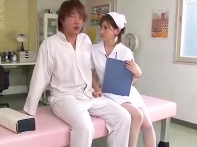 【エロ動画】「誰もいないし…いいでしょ?」と患者を誘惑するビッチナース!欲求不満なおマンコを激しく手マン&勃起チンポでガッツリピストンされて大きな声で喘ぎまくり!