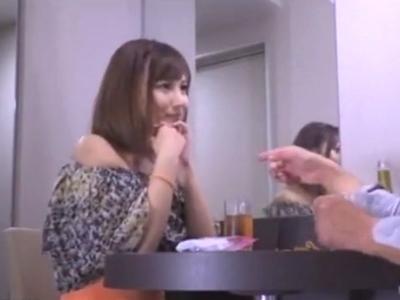 【エロ動画】川○駅前でナンパした奥様をNTR!他人棒に濃厚フェラでご奉仕したあと、膣奥をガッツリ突くようなピストンで感じまくってまさかの中出しにガチ困惑