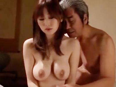 【エロ動画】毎晩のように義父に拘束されて弄ばれる巨乳人妻…気づけば69に夢中になってしまい、膣奥をガッツリ突かれて感じまくるNTRセックス!
