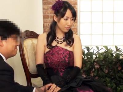 【エロ動画】結婚式間近の新婦を寝取れ!一番美しいウェディング姿での痴態は別の男の物。フェラも手マンも本番も全部、隣の部屋に新郎がいる状態で先取りレイプ!