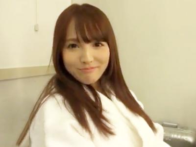 【エロ動画】オナ禁を延長されてムラムラMAXの三上悠亜は待ちわびた撮影で感じまくり!色んな体位で激しくピストンされて、アヘアヘ喘ぎながらイキ果てる