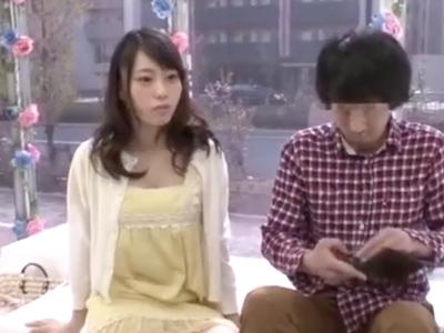 【エロ動画】友達といえどオスとメス…謝礼欲しさにセックスを始めた二人は、生ハメでじっくりピストンを繰り返しおマンコの中にガッツリ中出し!