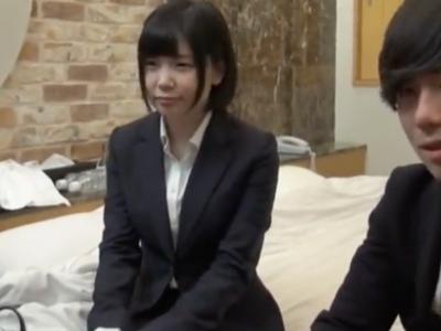【エロ動画】カネコマだから上司とセックス!?童顔の美少女OLがエロ企画に参加して愛撫やピストンで感じまくり→喘ぎまくってザーメン中出し!