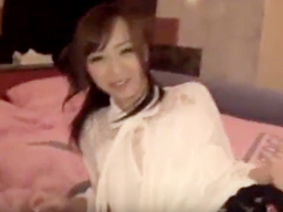 【エロ動画】セックスの悩みをAV撮影で解消する美少女は、初めてのハメ撮りなのに積極的におマンコ披露!悩みなんて忘れて感じまくる!?