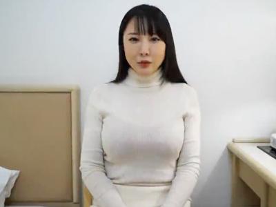 【エロ動画】巨乳人妻をナンパハメ。駅前でナンパをして捕まえて、おっぱいに吸い付き、フェラと手コキとアナル舐めをしてもらってから、無許可で中出しセックスだ!