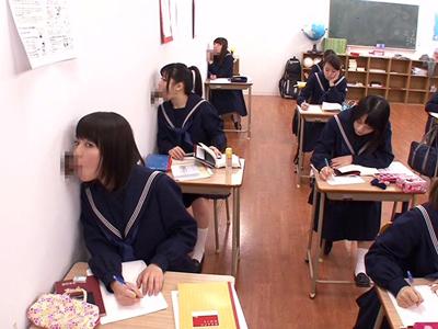 【エロ動画】色んなとこからチンポが生えてる女子校を盗撮したら…勉強の合間にフェラチオしたり中出しパコで快感を貪るセーラー服JKたちの痴態がっ!