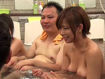 【エロ動画】紗倉まなを初めとした人気女優6人がチアガールコスプレでセックスをしてくれる乱交バスツアー!選ばれた素人男性のみができる極上のセクシー美女たちとのセックス!