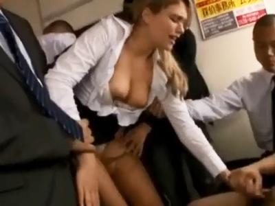 【エロ動画】電車で痴漢された白人のスレンダー巨乳お姉さんが鬼畜男に無理やりクンニ・手マンされチンポを挿入…何度も突かれまくってレイプされる国際問題になりかねない映像…