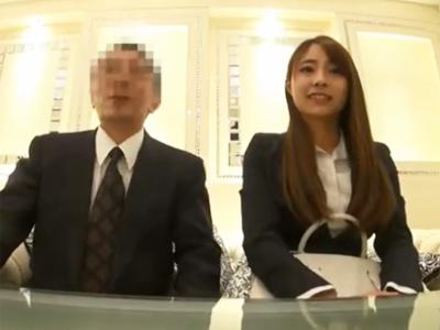 【エロ動画】禁断のオフィスセックス!OLが変態エロ親父の上司にホテルに連れ込まれて、マッサージをさせるという名目で、中出しセックスを許してしまう!その様子を完全盗撮!