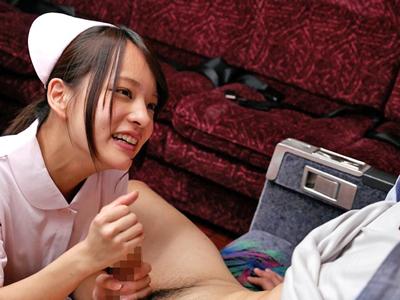 【エロ動画】あべみかこの凄テクを我慢できたら生中出し!極上フェラに耐え抜いた男は69のあとにチンポを挿入、激しいピストンで膣内にザーメンを送り込む!