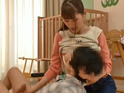 【エロ動画】赤ちゃんプレイでオギャりたい…優しい保育士さんに授乳手コキされて大人に変身!デカチンをおマンコに突き立て激しくピストン!