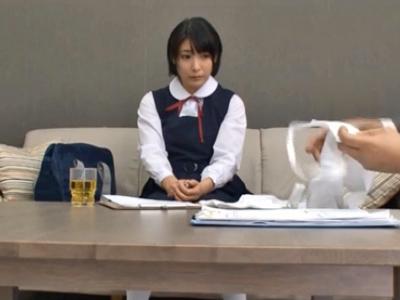 【エロ動画】アイドル志望のロリ顔JKはデビューするため枕営業!?業界人をじっくりマッサージして、手コキと素股で射精させる!