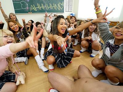 【エロ動画】巨乳女子高生のNOAやMIRANOが学校でチンポをフェラチオ・手コキし痴女りまくり!最後は騎乗位杭打ちで濃厚ザーメンを中出し種付け!