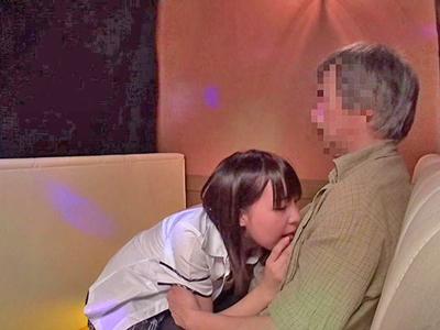 【エロ動画】指名が欲しいJKおっぱぶ嬢は、人の客をNTR営業!ハッスルタイムに突入したらむちむち巨乳をタッチ→生挿入→中出しの神プレイ