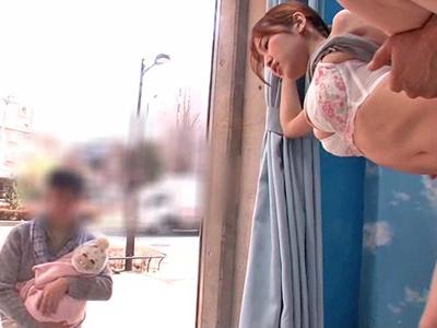 【エロ動画】子持ちママをMM号で寝取ってデカチンで激しくピストンしまくったら「すっごく気持ちよかった♡」というご感想をいただきました!