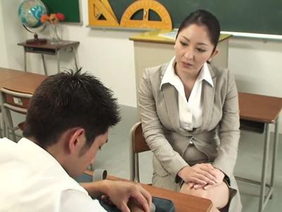 【エロ動画】上から目線で指導してくる巨乳の女教師に逆上して中出しレイプする鬼畜な生徒…フェラチオ・手コキ・イマラチオで無理やりチンポをしゃぶらせ正常位で激ピストン