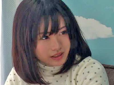 【エロ動画】スキー場でナンパしたスレンダーな美少女にマジックミラー号企画へ参加してもらう!一般男性とキスすると欲情してしまいそのままバックでハメパコw