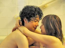 【エロ動画】休日のカップルはイチャラブSEX三昧♪巨乳でスレンダーなOLの彼女と一緒に入浴からのハメハメはフェラされてクンニして始まり騎乗位で挿入しちゃう!