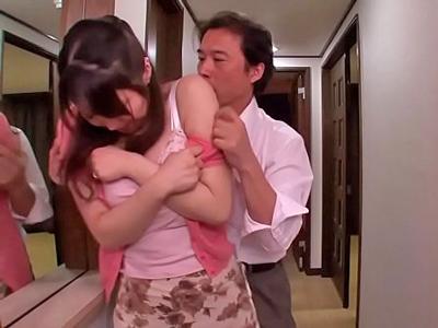 【エロ動画】夫の同僚たちに狙われて輪姦レイプされてしまう巨乳人妻…二本の肉棒をフェラチオご奉仕させられ逃れられない騎乗位・バックで汚いザーメンを顔射ぶっかけ