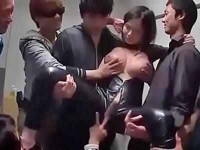 【エロ動画】敵組織に囚えられ輪姦レイプされる巨乳捜査官の吉川あいみ…フェラチオ・イマラチオで無理やりチンポをしゃぶらされ騎乗位・バックで突かれまくってザーメンを大量に顔射ぶっかけ