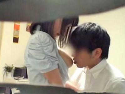 【エロ動画】生徒の両親がいないと知った瞬間にオナニーでセックスの準備を始めるとんでもない痴女の巨乳家庭教師…最後は生徒のチンポをフェラチオでしゃぶり騎乗位で本番開始