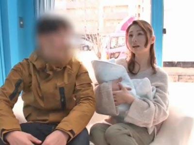 【エロ動画】MM号に乗り込んだ素人妻が堕ちるまでをバッチリ撮影!他人棒で激しくピストンされて可愛い声で「イクッ!」と喘ぐ姿をご覧あれ