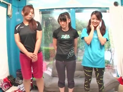 【エロ動画】スポコスが似合うロリ顔娘がMM号に!敏感な身体を愛撫されたり、膣奥まで届くようなピストンで連続ファック!