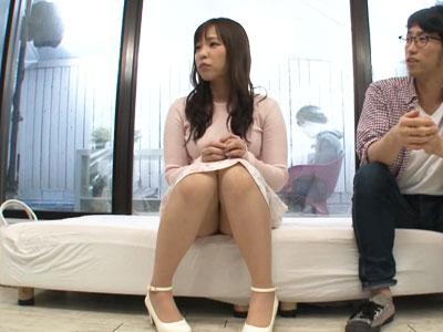 【エロ動画】弟の友達とセックスしてしまった巨乳お姉ちゃんは、マジックミラーの向こうにいる弟に見せつけるように乳揺れを披露して乱れまくる!