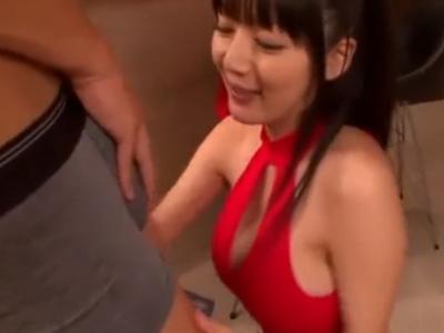 【エロ動画】うっとり顔でザーメンをフェラ抜き!ポニテの巨乳美少女が、激しいピストンでおっぱいを揺らしながら感じる濃厚セックス!