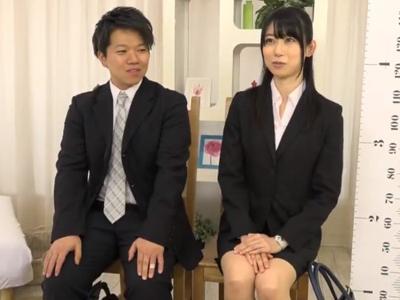 【エロ動画】高身長でスレンダーなOLさんと背の小さい後輩のガチセックス!身長差なんて気にせずパコパコしてたら、ナカでザーメンを…