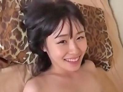 【エロ動画】真面目で普通そうな黒髪スレンダーなセーラー服のロリJKがオジサンに小さめの美乳を弄られたりパイパンまんこを弄られてフェラからのハメ撮りパコ!