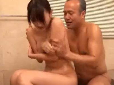 【エロ動画】一度だけ義父にレイプされた経験がある長男の嫁・西野翔…。その父との同居が始まり恥辱の日々が始まる!一緒に入浴を強要されフェラからの近親相姦でまたもレイプ被害に!